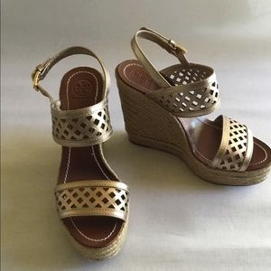 Tory Burch platinum perforated wedge sz.8 $75